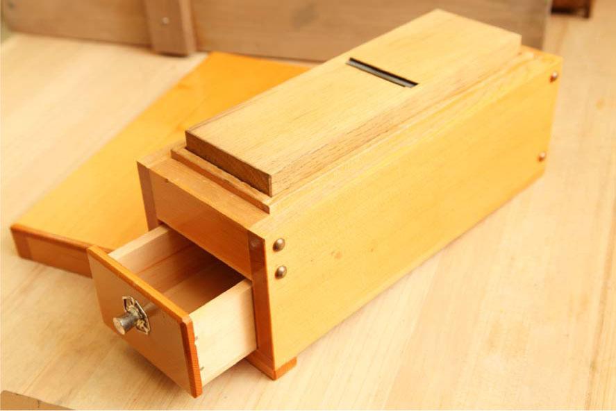 鰹節削り箱