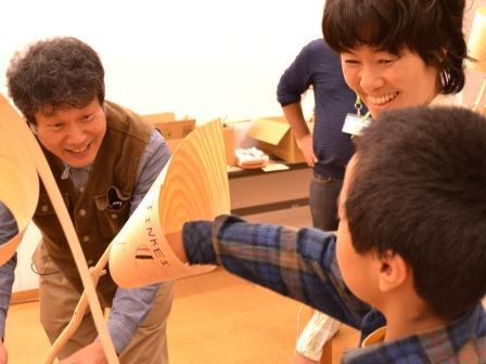 檜材のスピーカー1