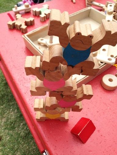 木製の遊具(3)